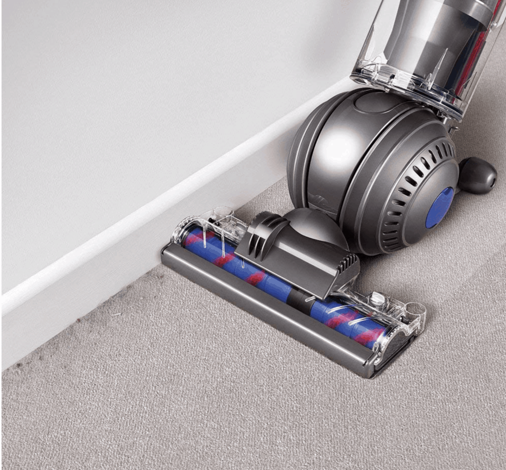dyson cleaning carpet